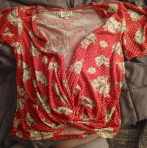 Tops - Adorable floral red top